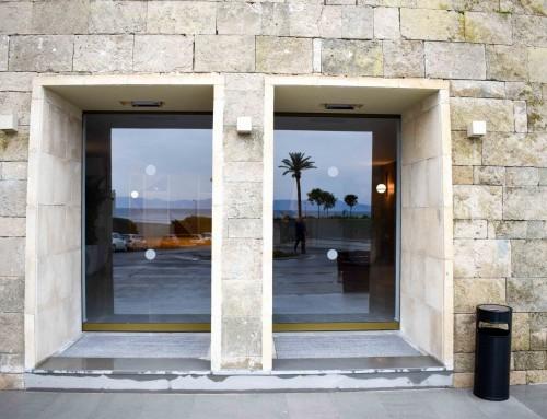 Αυτόματη διπλή πόρτα στη Ρόδο
