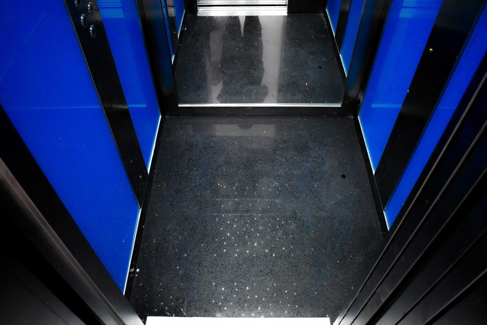 Πάτωμα ανελκυστήρα